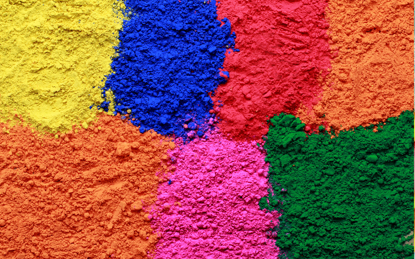 Celebrate Holi Decorate Your Devices With FREE Digital