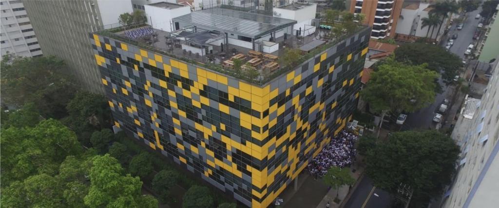 Toma aérea del edificio de Nubank: Fast Company rankea a Nu como la empresa más innovadora