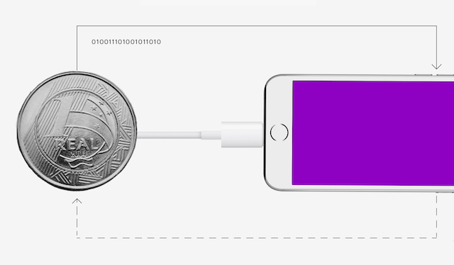Banco Digital: Uma moeda conectada a um aparelho celular com tela roxa.