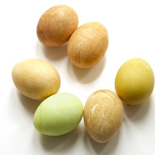 Tea-Dyed Easter Eggs