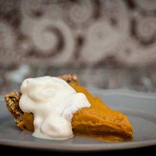 No-Bake Turmeric Chai Pumpkin Pie (Vegan)