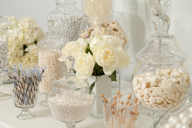Tie The Knot With Wedding Candy This Summer