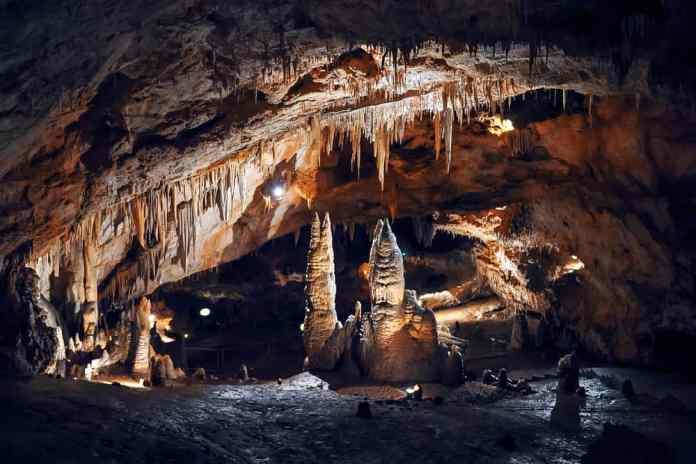 Lipa Mağarası karadağ