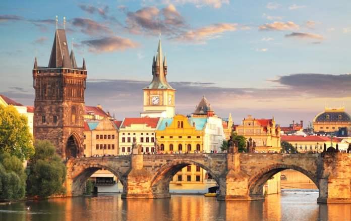 Prag Karl Köprüsü