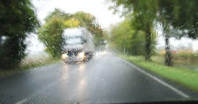 Extrema la precaución al conducir con lluvia