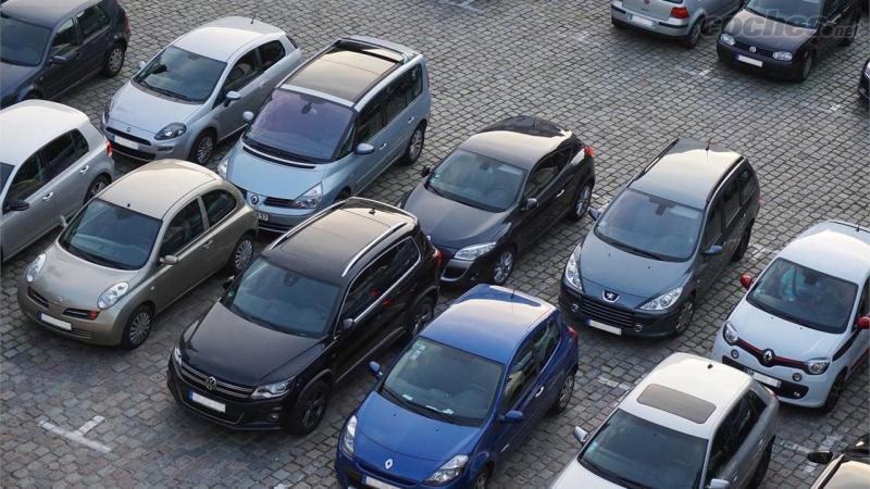 Elige entre coches diésel o gasolina