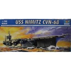 Portaaviones USS Nimitz CVN-68 . Escala: 1:700. Marca: Trumpeter. Ref: 05714.