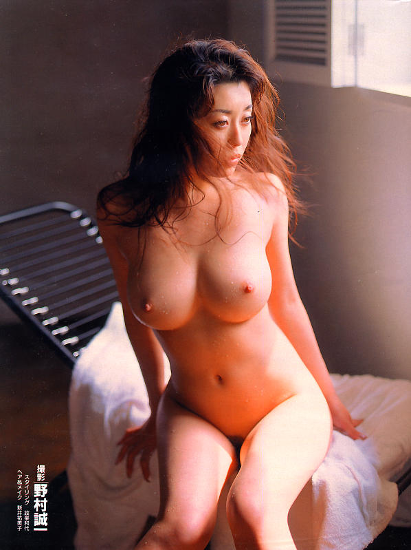 japanese-gravure-model-av-actress-ayaka-fujisaki-www-ohfree-net-009