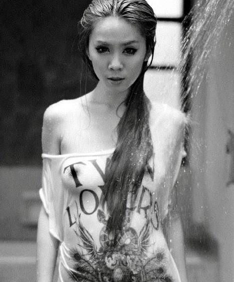 Malaysian-model-Felixia-Yeap-nude-www.ohfree.net-009 Malaysian model of Chinese descent Felixia Yeap nude sexy photos leaked