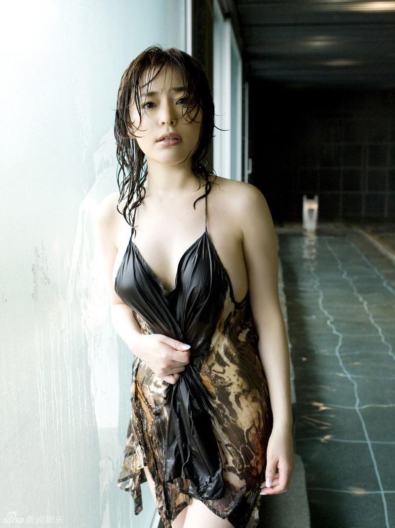 Former-AV-idol-Haruka-Nanami-by-ohfree.net-02 Japanese actress, a former AV idol Haruka Nanami 名波 はるか nude sexy