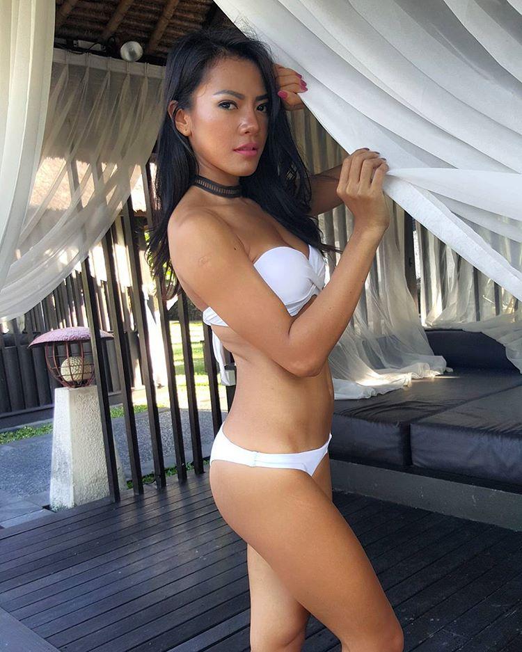 Indonesian-model-Bella-Chan-by-ohfree.net-02 Indonesian model Bella Chan nude sexy photos leaked