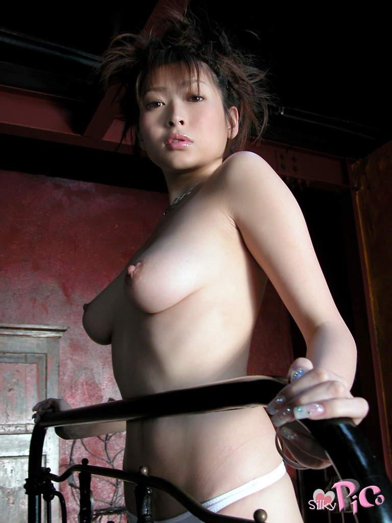 Former-AV-idol-Nana-Natsume-nude-027-by-ohfree.net_ Japanese film actress, former AV idol Nana Natsume nude sexy leaked