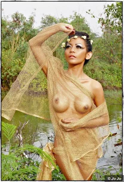 Indonesian-model-Entin-Eva-Kartini-017-by-ohfree.net_ Indonesian model Entin Eva Kartini nude sexy photos leaked
