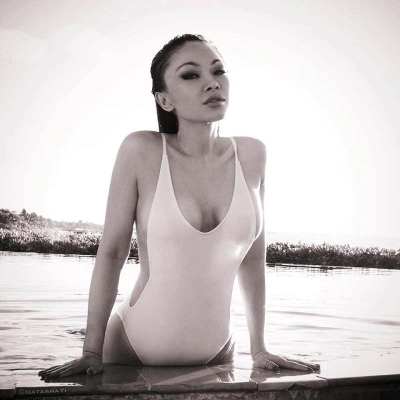 Natasha-Yi-nude-sexy-photos-leaked-025-by-ohfree.net_ American model and actress Natasha Yi nude sexy photos leaked