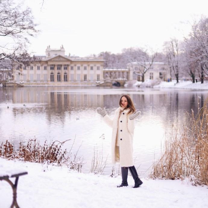 Zima Warszawa Łazienki śnie Olga POKRYWKA blog podróże moda