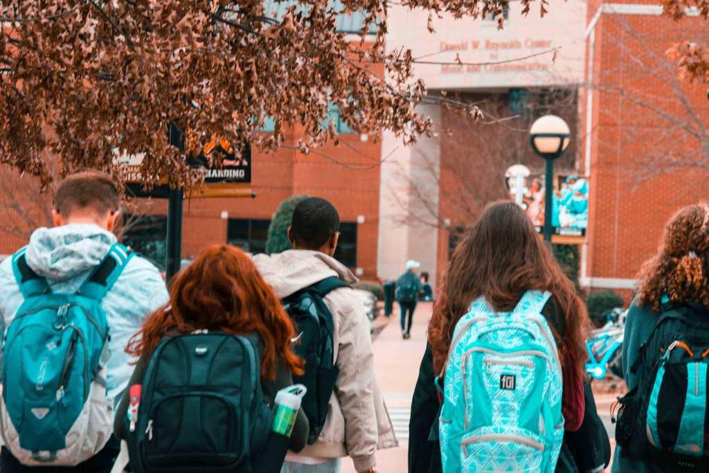 Regresso às aulas: 9 essenciais para o novo ano letivo title