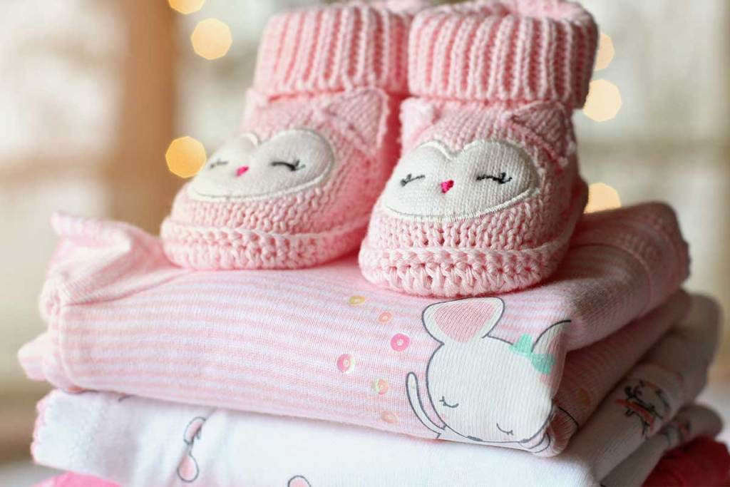 Roupa de bebé cor de rosa