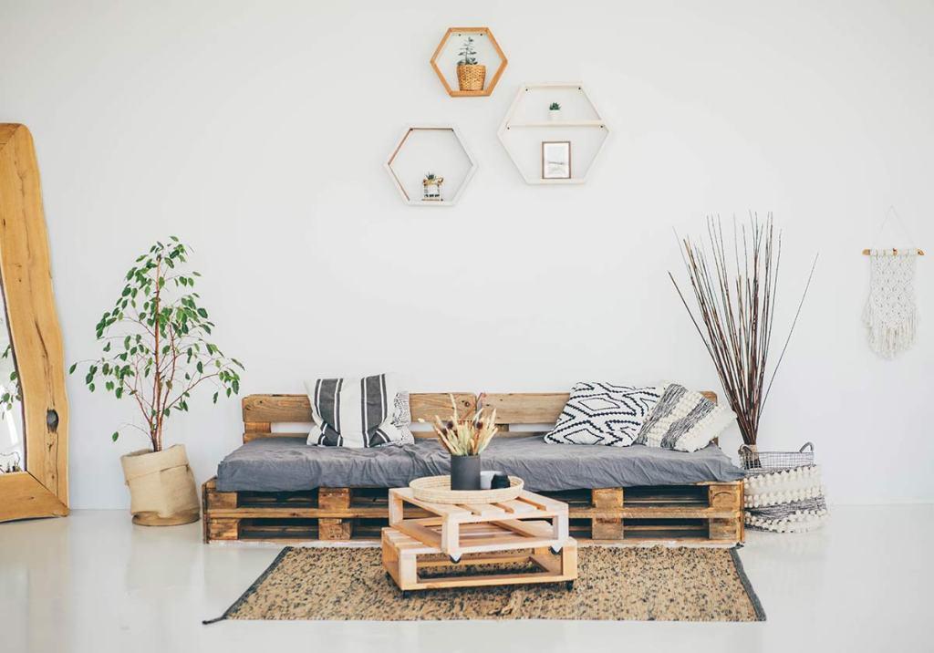 Móveis de paletes: ideias DIY para decoração title