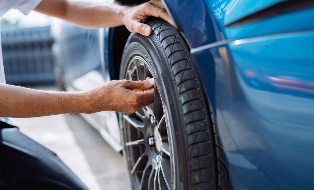Trocar de pneus carro OLX