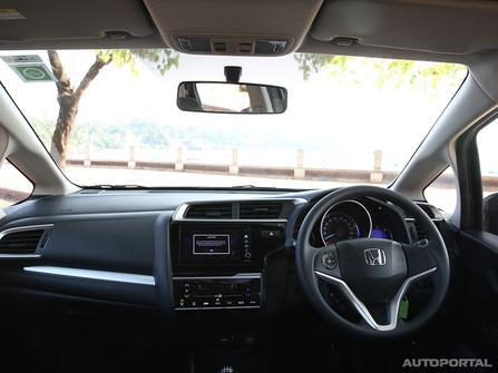 Honda WR-V Interiors Dashboard - Rent Honda Dubai