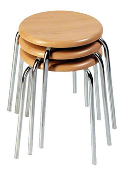 Sitzfläche auf vier Beinen – stapelbar und altbewährt: der Gymnastik-Hocker (Quelle: http://www.sport-thieme.de)