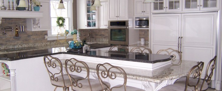 Classic Reeded Island Post & Verona Corbel with Acanthus Leaves