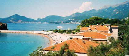 Черногория отменила все требования для въезда