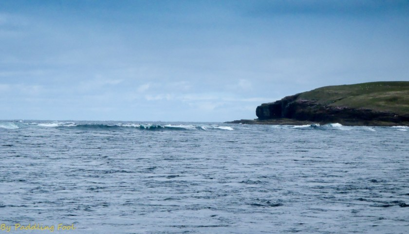 Tide going out, gnarly looking waves wherre I'd rather not be. Just off Costa, opposite to Eynhallow, Orkney