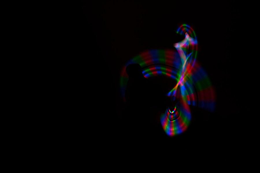 Malabares con mazas de colores