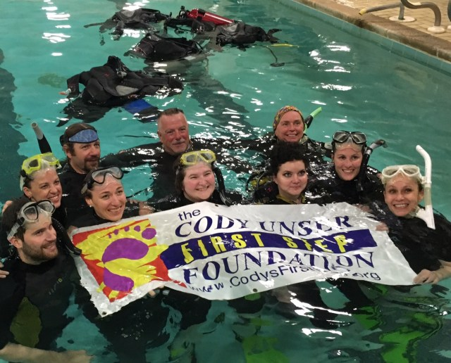 Adaptive divers train in a pool