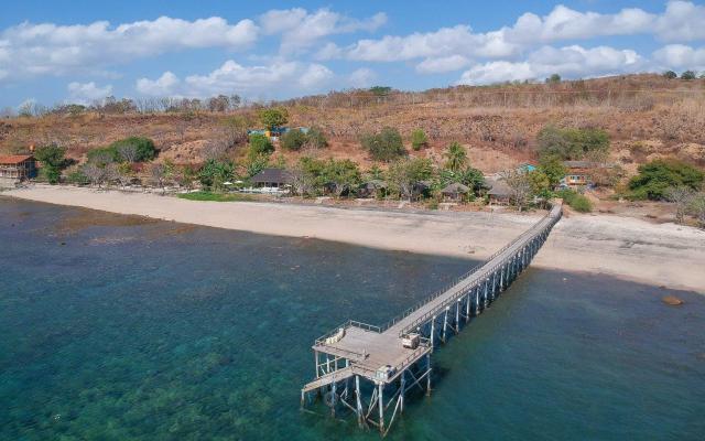best house reefs kalimaya resort near komodo