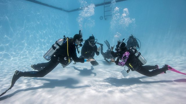returning to the water scuba skills in the pool
