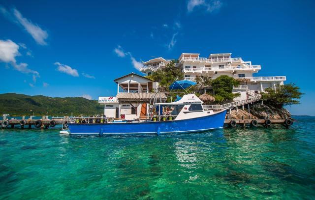 best house reefs dunbar rock villa with boat