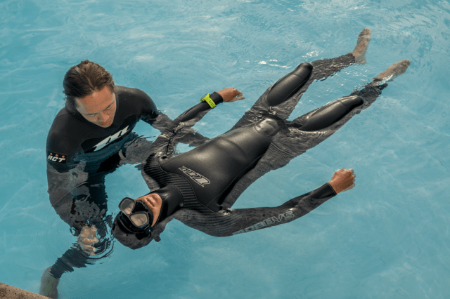 freediving - breath hold - diving