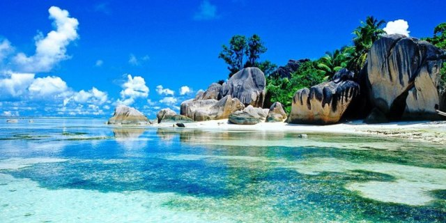 Seychelles (Listeni/seɪˈʃɛlz/ say-shelz; French: [sɛʃɛl]), officially the Republic of Seychelles (French: République des Seychelles; Creole: Repiblik Sesel), is an archipelago in the Indian Ocean. The 115-island country, whose capital is Victoria, lies 1,500 kilometres (932 mi) east of mainland Southeast Africa. Other nearby island countries and territories include Zanzibar to the west and Comoros, Mayotte, Madagascar, Réunion and Mauritius to the south