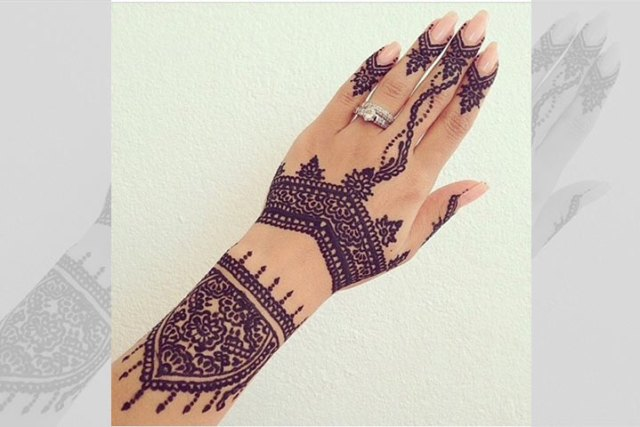 Bangle styled mehendi designs