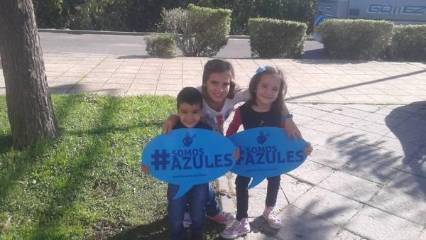 Domingo, María e Isabel Albarracín, los mas peques del III Encuentro de Jóvenes Cofrades.