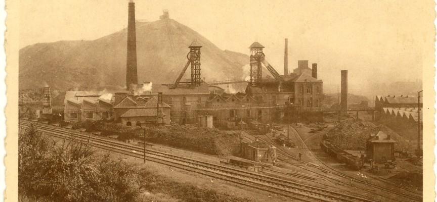 Evolution d'un site minier (le Crachet). Ici, les années 1930.