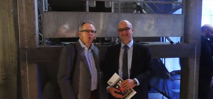 Lors de l'inauguration, le directeur général adjoint de Fedustria, Filip De Jaeger, a rencontré Sébastien Legat, le représentant du Ministre wallon des technologies.