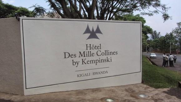 Entrada do Hotel Des Mille Collines, cenário do filme Hotel Ruanda