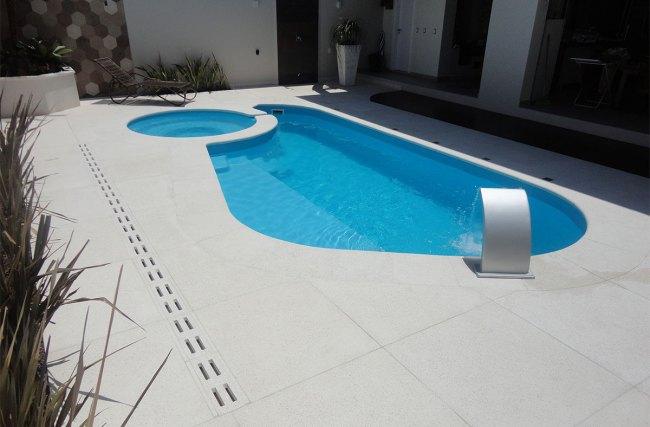 Melhores pedras para borda de piscina