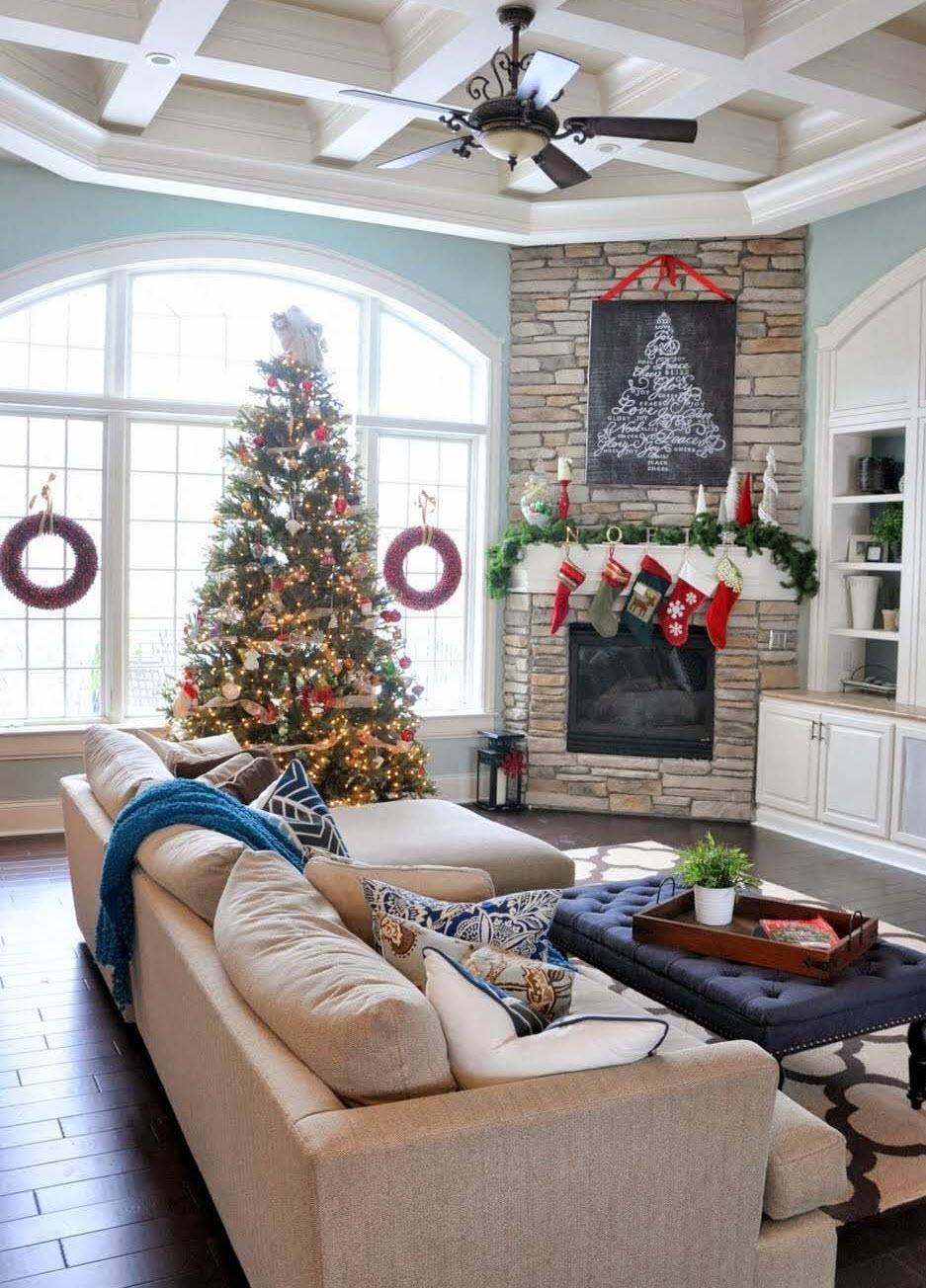 Classic Christmas Mantel Decor