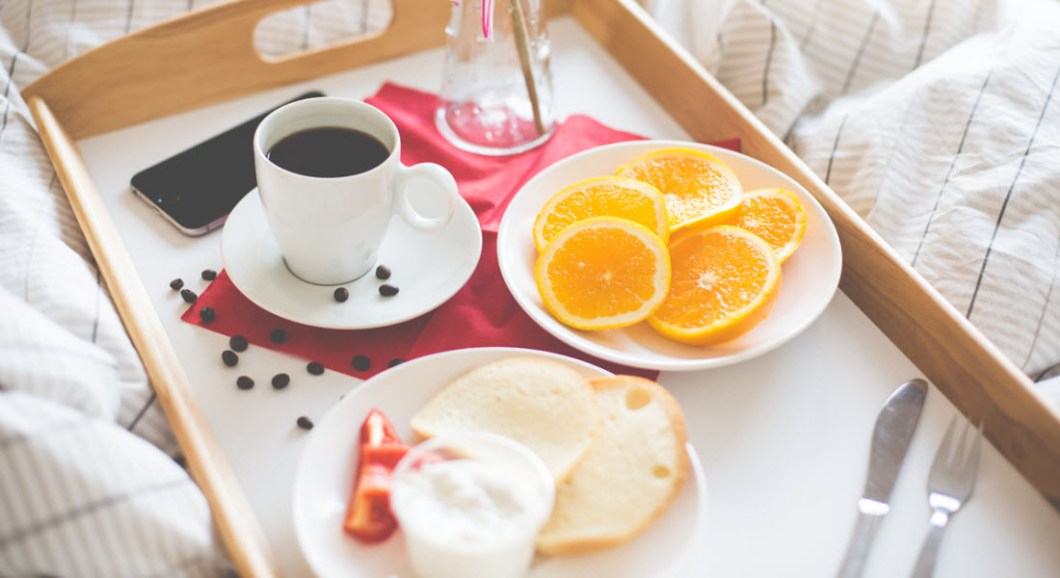 love-coupon-breakfast-in-bed