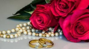 Wedding Anniversary Flowers, Colors & Jewlery