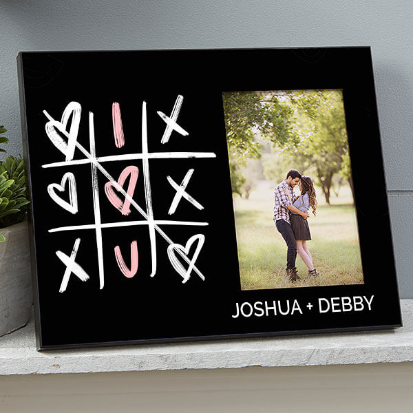 Tic Tac Toe Hearts Picture Frame