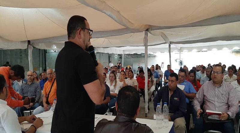 Pedro Malaver en encuentro realizado con coordinadores regionales de tienda en el estado Aragua