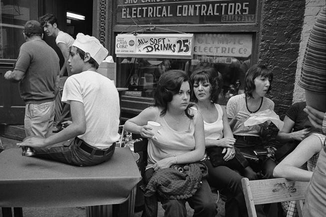 Girls-at-Greektown-Festival-Detroit-1972-651x433