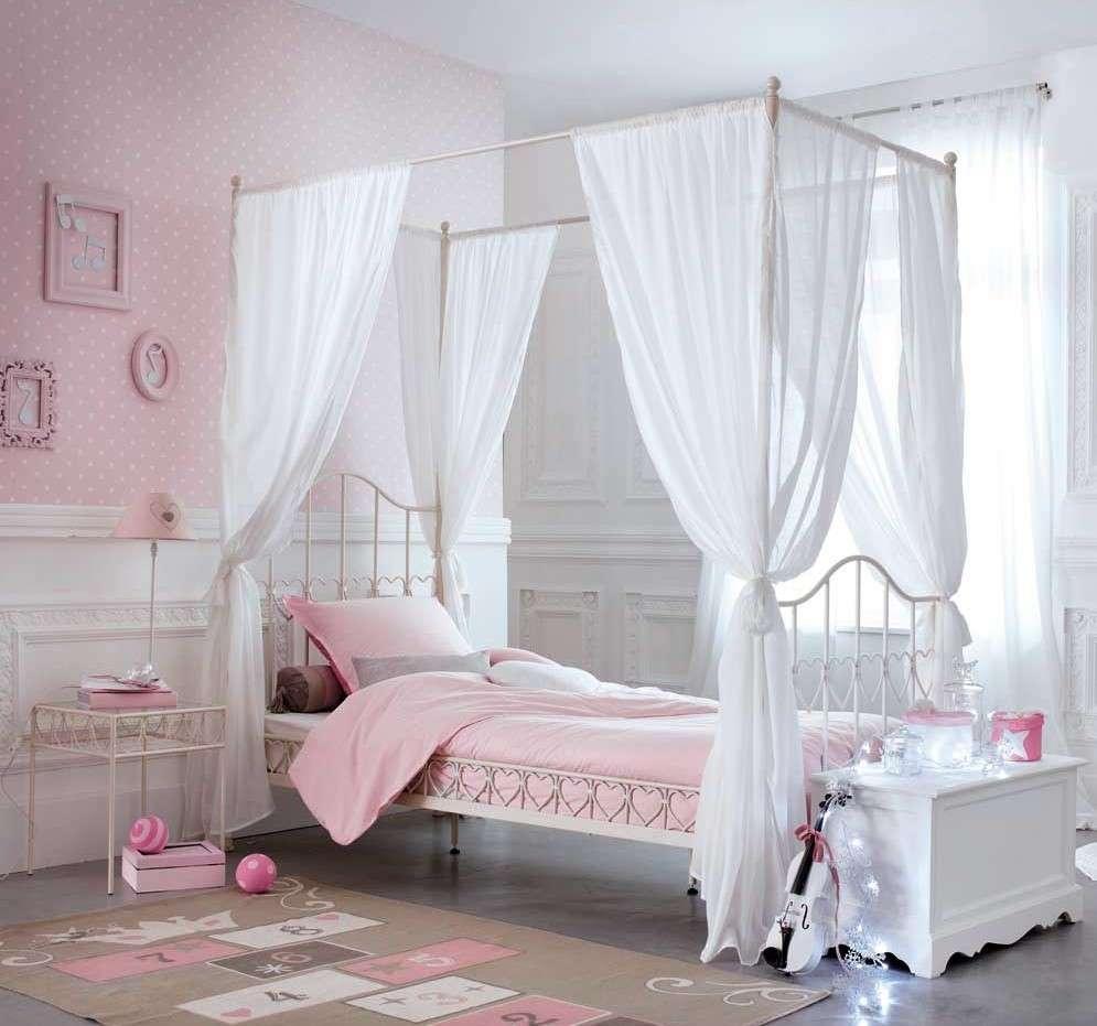 Crea la zona notte dei loro sogni con un letto,. Letto A Baldacchino Bambini Maisons Du Monde Spazio Soluzioni