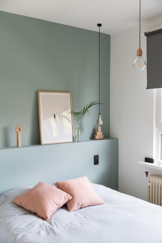 pareti verde petrolio a contrasto con i mobili della camera da letto. Verde Avete Mai Pensato A Questo Colore Per Le Pareti Di Casa