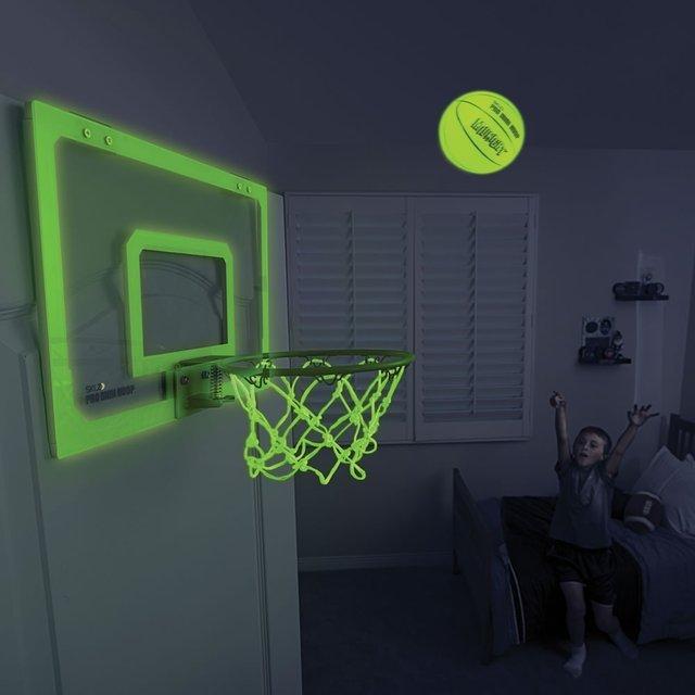 Canestro da basket per giocare al buio